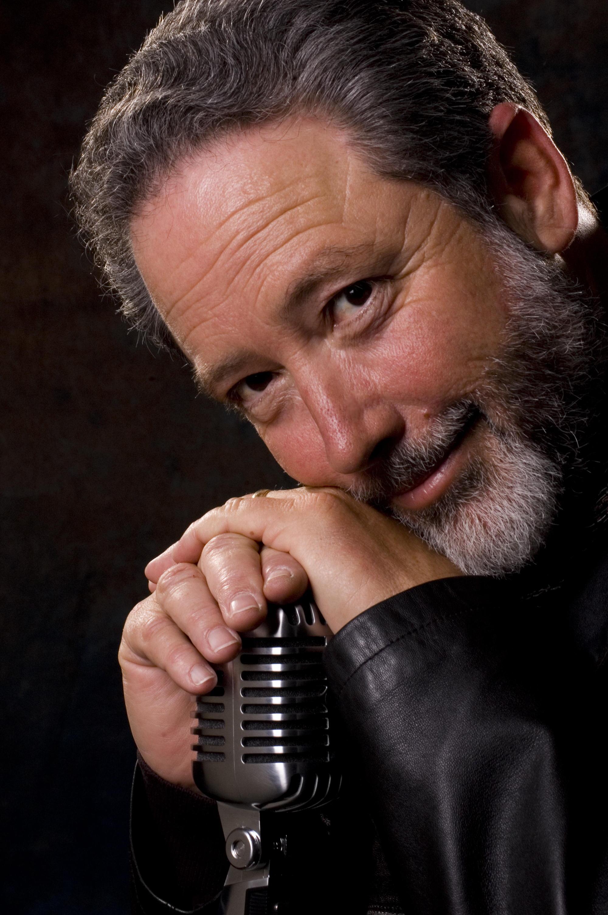 Singer Ron Kaplan